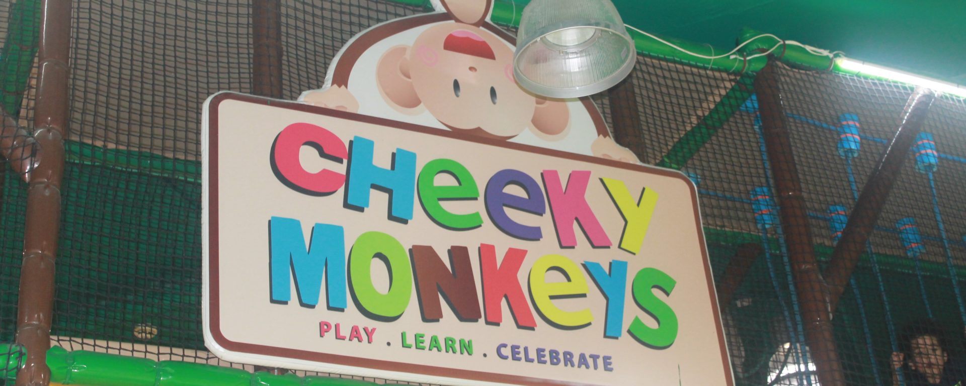 Cheeky Monkeys is one of those places that we visited as it has several branches across the city and it has won the award of the Best Soft Play Venue in 2015. So we came to explore it together! The area is divided in two, allowing toddlers to play safely away from the older kids, and their area is just huge!