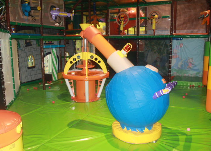 Cheeky Monkeys is one of those places that we visited as it has several branches across the city and it has won the award of the Best Soft Play Venue in 2015.